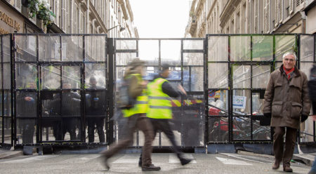 The yellow vests – different motives behind the same vests